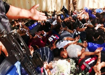 الغارات الجوية على العراق تحمل المخاطر مع تفكير أوباما في الخيارات