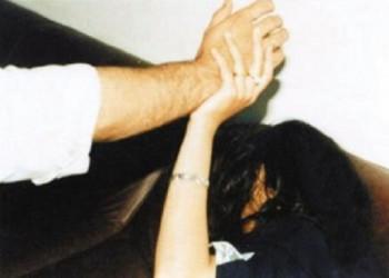 زوجة وابنتها تقفزان من الشرفة هربا من ضرب زوجها بالشارقة