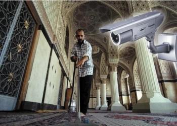 «ذا إيكونوميست» ترصد تضييقات الدول العربية الأمنية على المساجد والأئمة