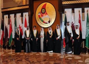 """بانخفاض عوائد النفط .. دولة """"الرفاه"""" الخليجية تواجه اختبارات صعبة و""""الربيع العربي"""" قد يزور الخليج ولو متأخرا"""