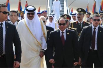 السفير القطري يعود إلى القاهرة وغموض حول اتخاذ مصر خطوة مماثلة
