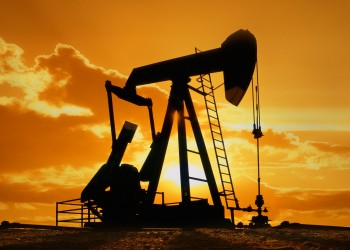 النفط دون أقل مستوى في 3 أسابيع مع إغلاق بنوك اليونان لليوم الثاني