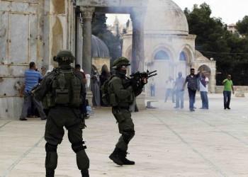 عشرات المستوطنين يقتحمون المسجد الأقصى بحماية شرطة الاحتلال