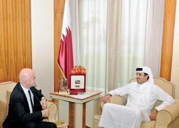 أمير قطر يستعرض مع رئيس الفيفا استعدادات مونديال 2022