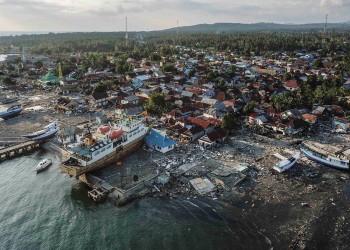 أحدث حصيلة لتسونامي إندونيسيا: 2045 قتيلا و10 آلاف جريح