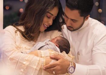 """المطربة اليمنية """"بلقيس"""" تنشر صورة ابنها للمرة الأولى"""