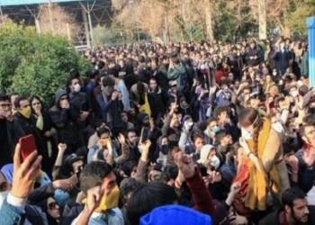 محلل تركي يكشف سر مناصرة بلاده الحكومة الإيرانية مؤخرا