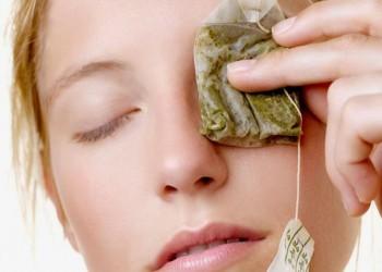كمادات الشاي .. طريقة سهلة وسريعة لعلاج مشاكل العين المرهقة