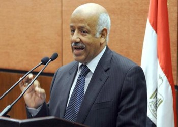 حبس وزير العدل المصري الأسبق 15 يوما.. هذه تهمته
