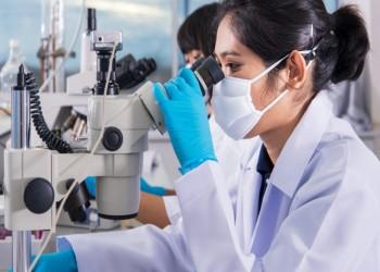 المرأة التونسية تتصدر عربيا في البحث العلمي