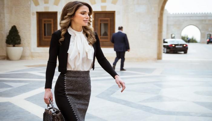 الأردن.. الملكة رانيا تفند اتهامها بإنفاق الملايين على الملابس