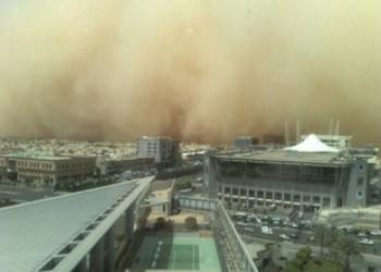 عواصف محملة بالأتربة «تجتاح» الشرق الأوسط وتحذيرات من التعرض لها