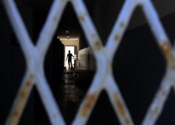المعتقلون السياسيون يتعرضون لانتهاكات واسعة في السجون الإيرانية