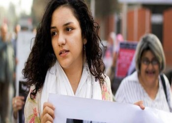 ناشطة مصرية لـ«السيسي»: «أنا في البيت واسمي ضمن قائمة العفو»