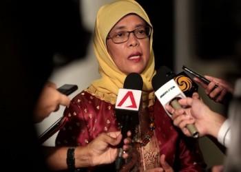 «حليمة يعقوب» أول امرأة مسلمة تتولى رئاسة سنغافورة