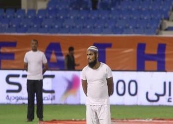 الاتحاد السعودي يعتزم تغريم شركة «صلة» بعد ظهور عامل بالسروال