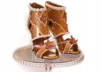 دبي تعرض أغلى حذاء بالعالم.. سعره 15 مليون دولار