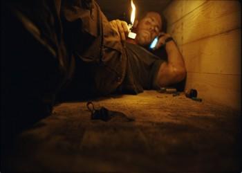 أفلام عالمية دارت أحداثها في أماكن خطرة.. طالع قصصها