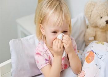 نصائح لتعزيز مناعة طفلك في مواجهة أمراض الشتاء