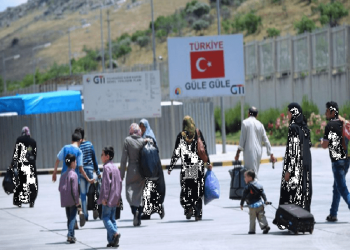 السوريون في تركيا.. منتجون لا متسولون