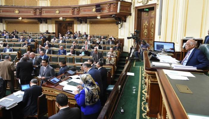 لجنة برلمانية مصرية تقر زيادة معاشات العسكريين بنسبة 15%