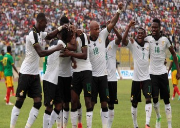 """بسبب التدخلات الحكومية.. """"فيفا"""" يهدد غانا ونيجيريا بتجميد النشاط"""