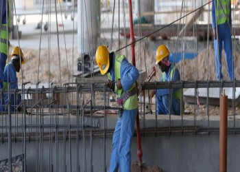 العفو الدولية تطالب قطر بدفع رواتب عمال متأخرة لأشهر