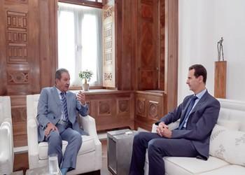 مطالبات بمحاسبة رئيس تحرير الشاهد الكويتية بعد لقائه الأسد