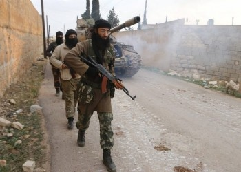 عشرات القتلى في اشتباكات بين فصائل مسلحة شمالي سوريا