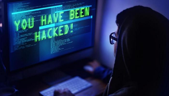 قراصنة يسرقون حسابات موثقة بتويتر لترويج مشاريع بن سلمان