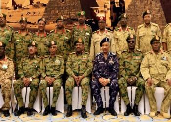 المسؤولون السودانيون الجدد يؤدون اليمين.. والمظاهرات تتواصل