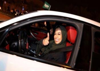 يوم المرأة العالمي.. احتفاء على تويتر بإنجازات عربية مسيسة