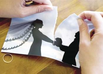 مصرية تطلب الخلع لعدم تفاعل زوجها مع منشوراتها على فيسبوك