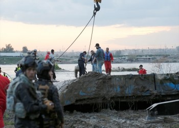 السلطات العراقية تنتشل عبارة الموصل