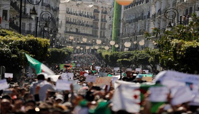 إخوان الجزائر يرحبون بدعوة الجيش للحوار