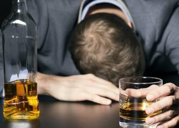 دراسة: 55% من التونسيين يتناولون المشروبات الكحولية