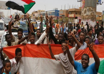 السودان على خطا الربيع العربي.. يسقط الديكتاتور ويبقى أعوانه