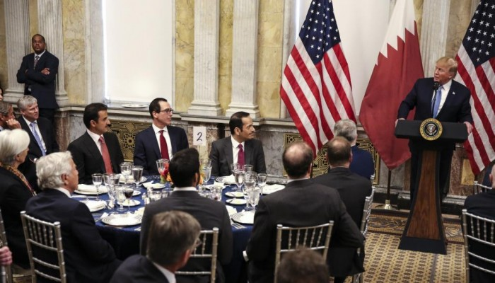ترامب يشيد بالعلاقات مع قطر ويصف أميرها بالصديق الرائع