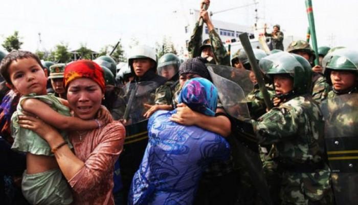 الصين تعترض على مطالبات بإغلاق سجون الإيغور