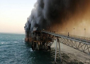 حريق يلتهم مبنى تابعا لميناء البصرة النفطي