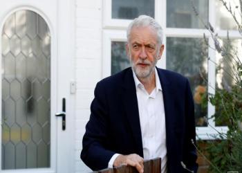 لوردات حزب العمال البريطاني يستعدون لسحب الثقة من زعيم الحزب