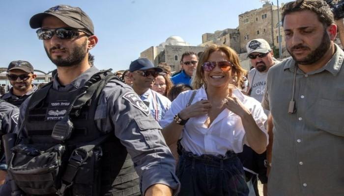 جينيفر لوبيز تعلق على زيارتها لمصر