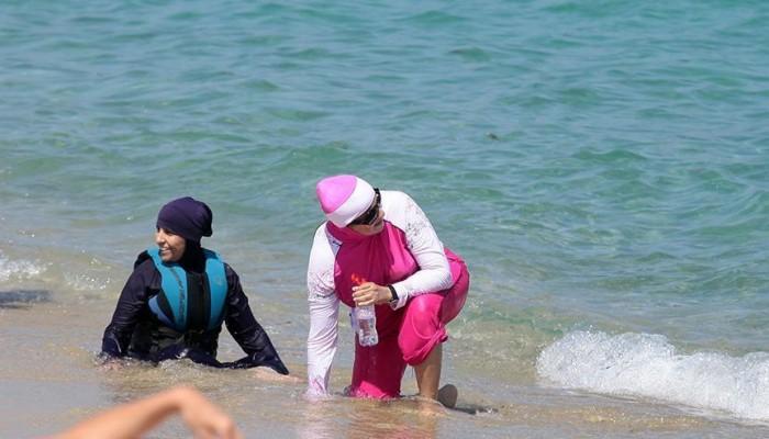 تزايد العنصرية ضد المحجبات في شواطئ مصر