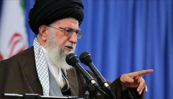 83 نائبا إيرانيا يتهمون روحاني بمخالفة تعليمات خامنئي