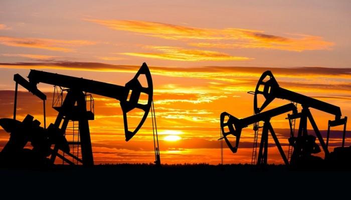مخاوف بشأن الاقتصاد العالمي تهوي بأسعار النفط