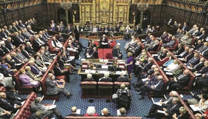 اللوردات البريطاني يقر قانونا يمنع بريكست دون اتفاق