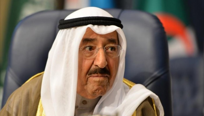 اجتماع للأسرة الحاكمة والأجهزة الأمنية بعد نقل أمير الكويت للمستشفى