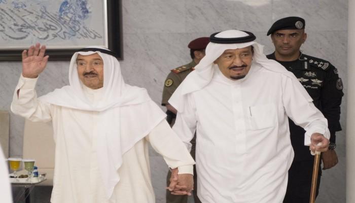 العاهل السعودي يطمئن هاتفيا على صحة أمير الكويت