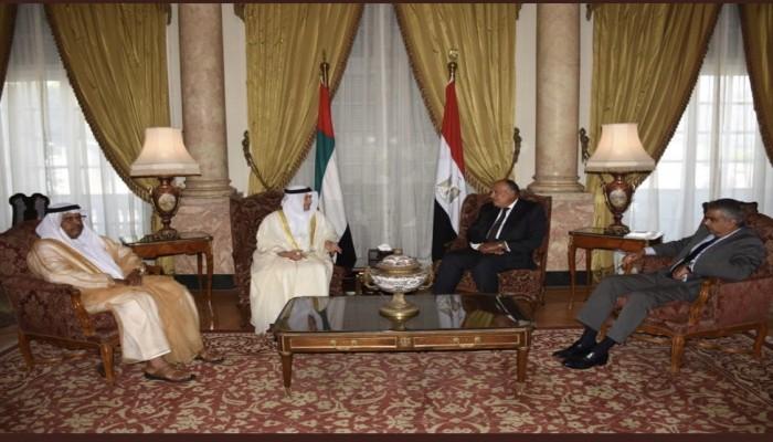 قرقاش: علاقات الإمارات مع مصر بأزهى حالاتها