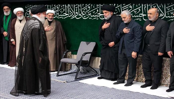 الصدر في إيران بجوار خامنئي وسليماني.. ماذا يحدث؟ (صور)